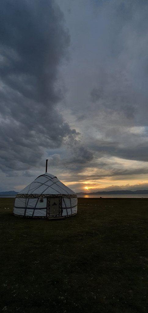 تور سفر گلمپینگ قرقیزستان کمپیمگ لوکس و کمپینگ لوکس م م پارسا